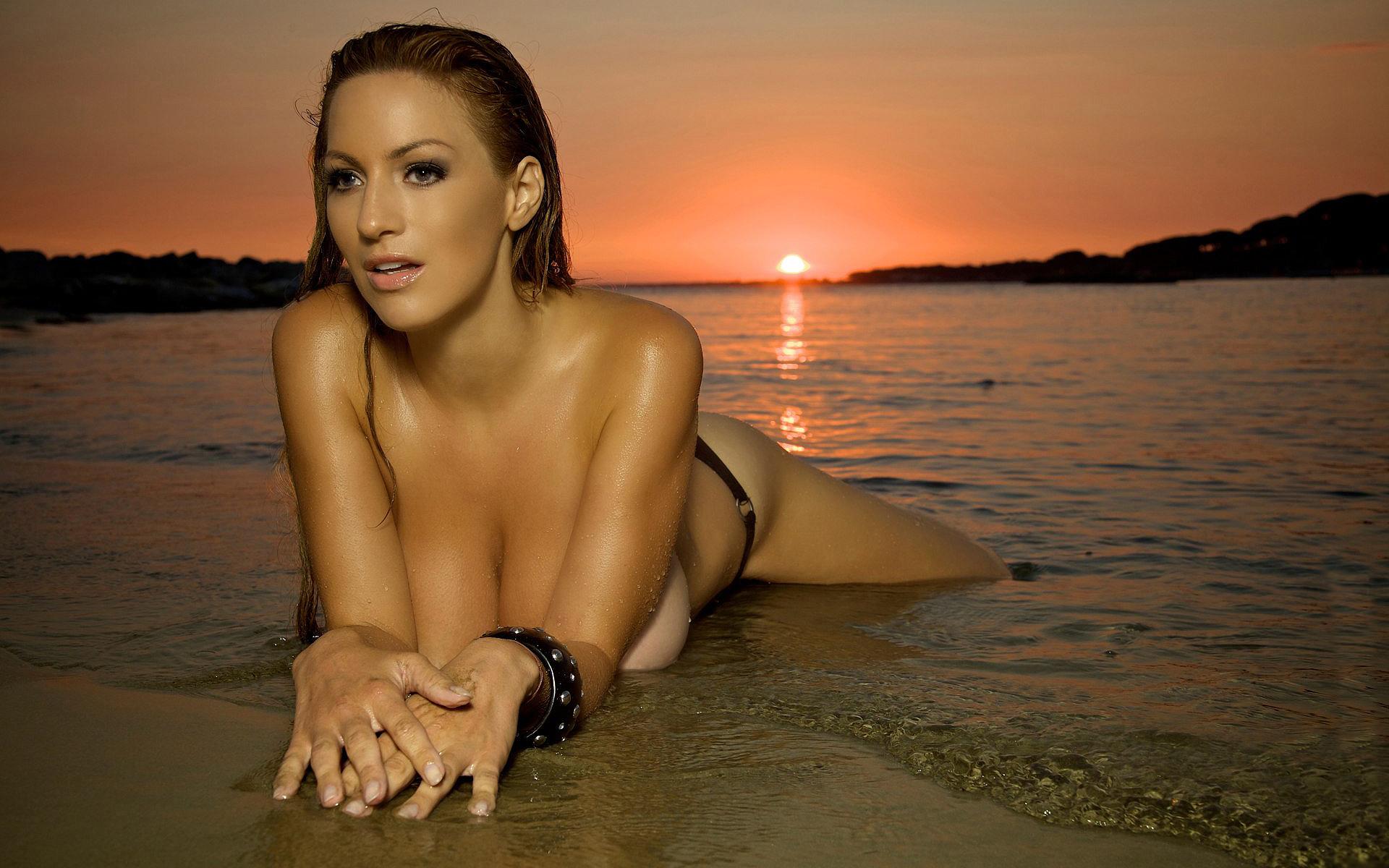 Tera Patrick Wallpapers Tera Patrick Nude Pic  Sexy Babes -2751